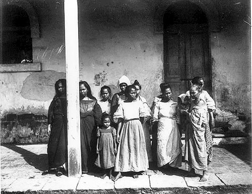 Female prisoners in Batangas