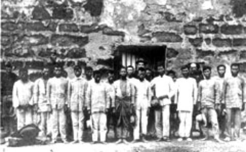 Filipino POWs in Batangas Province. A report in the Army and Navy Journal  told of 600 Filipinos penned in a building 70-by-20 feet, suffocating, starving, dying of dysentery and thirst in the brutal tropical sun.